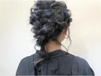 ゆるっとかわいいヘアアレンジも_20181006_3