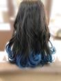 ブルーな毛先