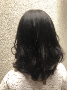 【淀屋橋】暗髪でもレイヤーを入れると軽く見えます_20191010_1