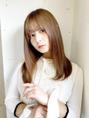 チェルシー(CHELSEA)縮毛矯正とハイトーンのカラー、髪を傷めない施術方法