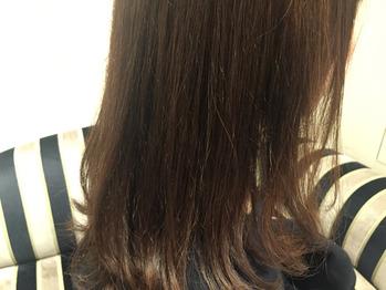 実際に「暗くしない白髪染め」をされているお客さま。_20170222_3
