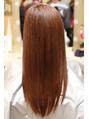 髪質改善で潤いとツヤ感が長期的に持続します