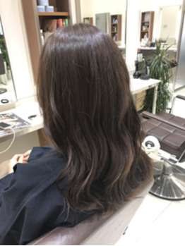 艶髪カラーはAVEDAで!