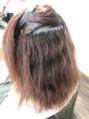 癖は強いのに毛先が傷んでる髪の毛
