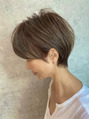 白髪のある方にもおすすめハイライト×耳かけショート