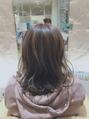 ミディアムヘア×ベージュカラー