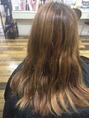 明るくすると髪が黄色くなる人へのカラーリング。