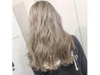 white beige_20190810_1