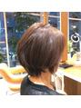 お母さんの髪の毛を染めました