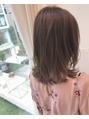 【若井】スモーキーアッシュベージュで赤みなし透明感