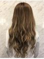 エクステの巻き髪