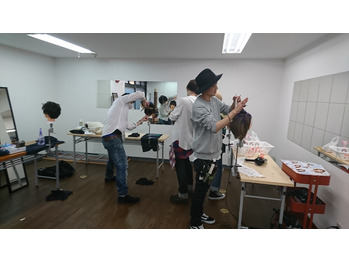 トレーニング 【新宿 美容室 Ai カラー】_20170404_1