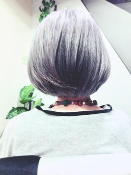 白髪を活かす グレイヘアー&シルバーヘアー..._20190512_1