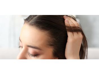 抜け毛・薄毛の初期症状に気づいた時は_20200329_2