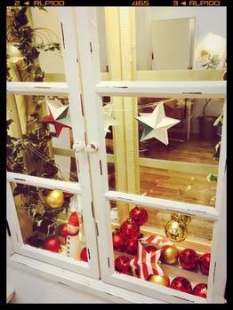 お店の内装もクリスマス仕様になってきています_20161202_4
