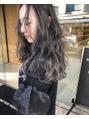 アクアオモテサンドウ(ACQUA omotesando)スペシャル外国人風 3Dハイライトカラー グレージュ