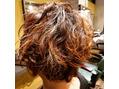 伸ばしかけのくせ毛にパーマ