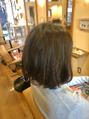 黒髮にハイライトヘアカラー