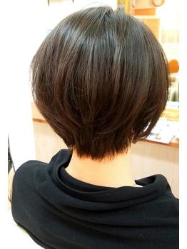 40代似合う髪型◎お手入れ簡単大人ショート