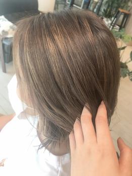今人気の白髪ぼかし☆_20210820_1