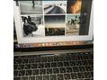 ちくわを食べながらホームページ作成。