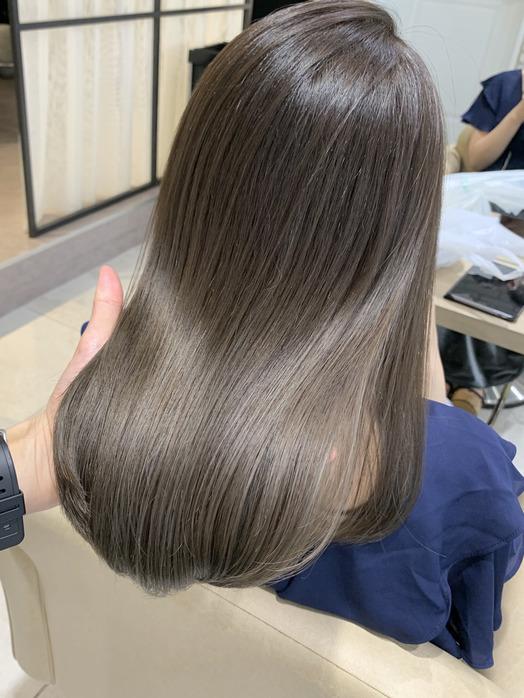 フォギーベージュで夏らしくかわいい髪色に☆☆_20200726_1