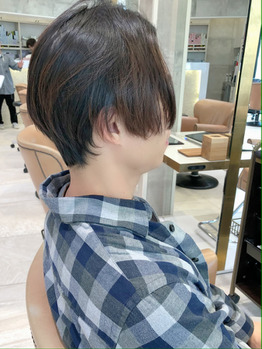 ツーブロックメンズ、表参道で人気の髪型!!_20210427_2