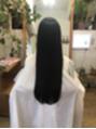 綺麗なロングヘアのヘアドネーション