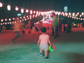 娘と盆踊り