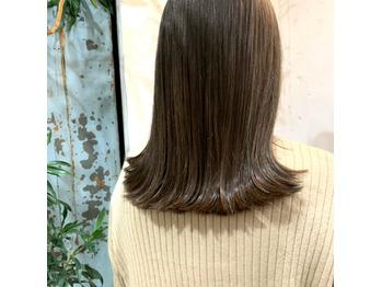 ミディアムヘアもぱっつんが可愛い。_20200330_1
