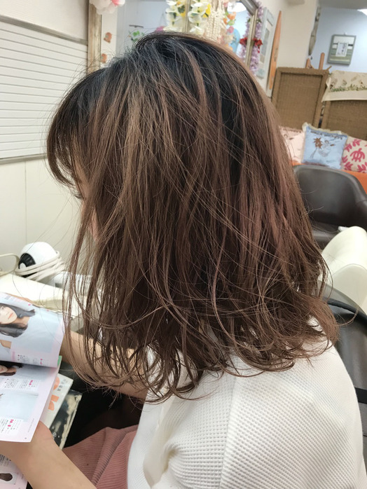 先日、お店の先輩の髪を巻きました!_20180929_1