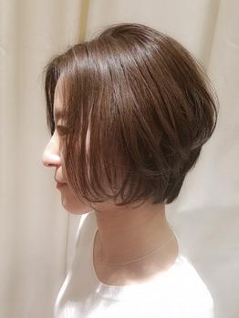 大人女性に似合う髪型◎レイヤーショートボブ