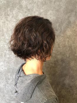くせ毛をプラスに変えるヘアスタイル_20190328_1