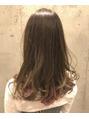レックスヘアーインターナショナル(REX HAIR INTERNATIONAL)インナーカラーピンクでいつもとは違うカラーに!