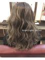 ヴィークス ヘア(vicus hair)[アキエ]ヘーゼルカラーのハイライト♪♪