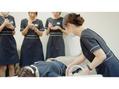 経験豊富な専属トレーナーが施術の実技指導しています