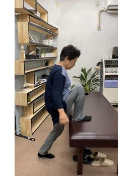 段を上ると膝が痛かった患者様_20200617_3