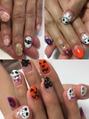 *happy Halloween nail*