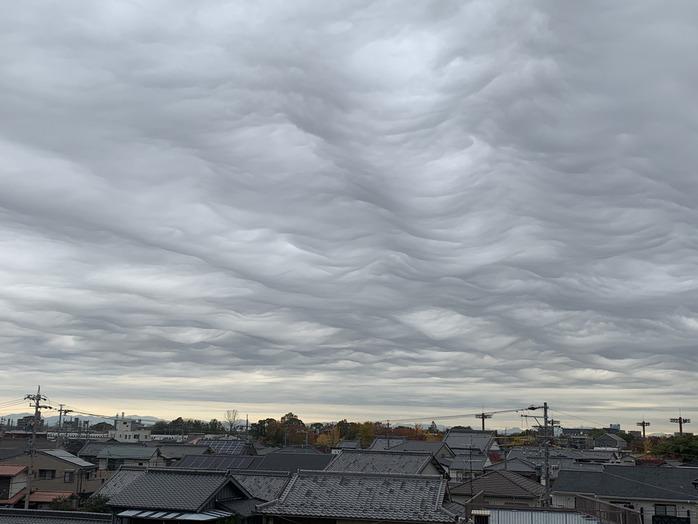 すごい雲を発見。_20191217_2