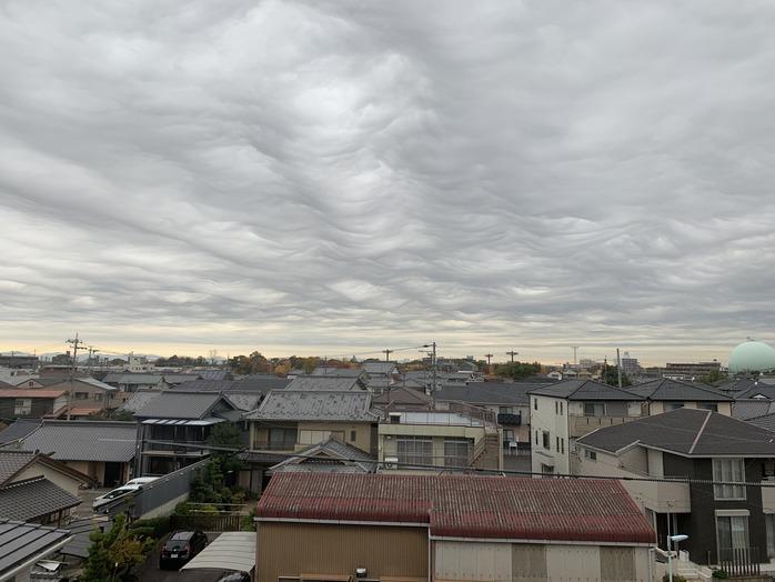 すごい雲を発見。_20191217_1
