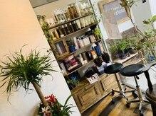 ヴィヴァーシャス 二日市店(Viva cious)の雰囲気(お客様の髪にあったケア商品を紹介します(^-^)/)