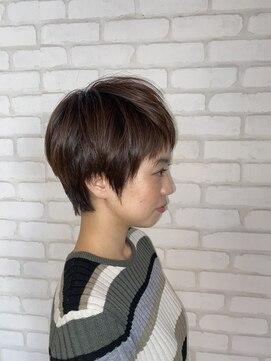 ビス ヘア アンド ビューティー 西新井店(Vis Hair&Beauty)10代20代大人かわいい小顔ショート×セピアベージュ