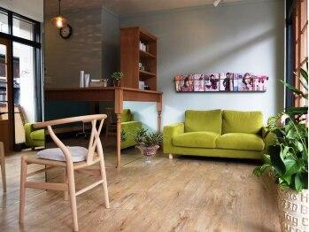 ペック ヘアーサロン(pec hair salon)の写真/【二条・円町】暖かな光が入り、ほっこり、リラックスしてサロンタイムを過ごせる場所pec♪