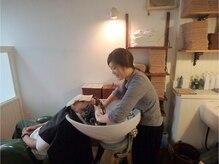 荻窪美粧の雰囲気(お客様の髪、頭皮の状態に合わせてシャンプーをお選びします♪)