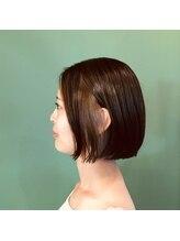 フラップヘアー(FLAP HAIR)シンプルなボブ+インナーカラー。