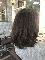 ヘアーガーデンロルド(hair garden Rold)風になびくニュアンスがカッコいい、大人抜け感ヘア