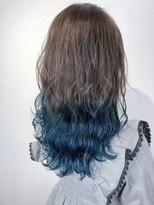 美髪ターコイズブルー