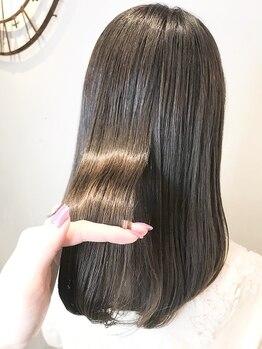 ファミーユ(famille)の写真/ずっと綺麗が続きカラーの持ちも良くなる髪質改善トリートメントが好評◎美髪を目指してヘアケアを…