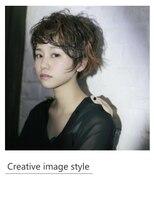 ヴェローグ シェ ブー(belog chez vous hair luxe)【Creative image styel】ショートのポイントカラースタイル