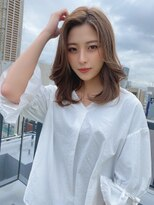 王道ミディアムヘア×透明感カラー